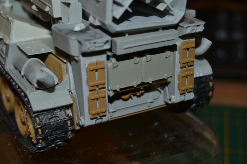 AMX-30 PLUTON -[Heller 81129] + [Terre-Model TM014] 1/35 - Page 2 Dsc_0352