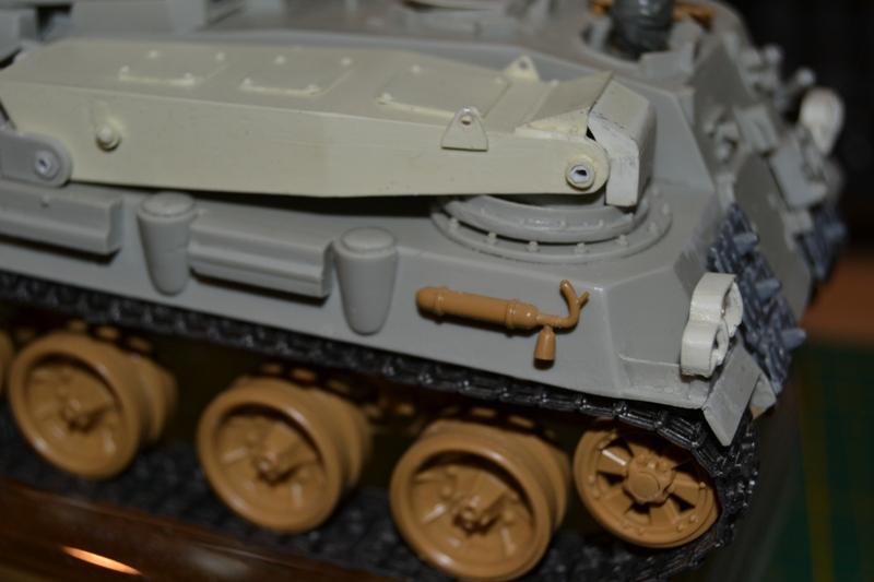 AMX-30 PLUTON -[Heller 81129] + [Terre-Model TM014] 1/35 - Page 2 Dsc_0353