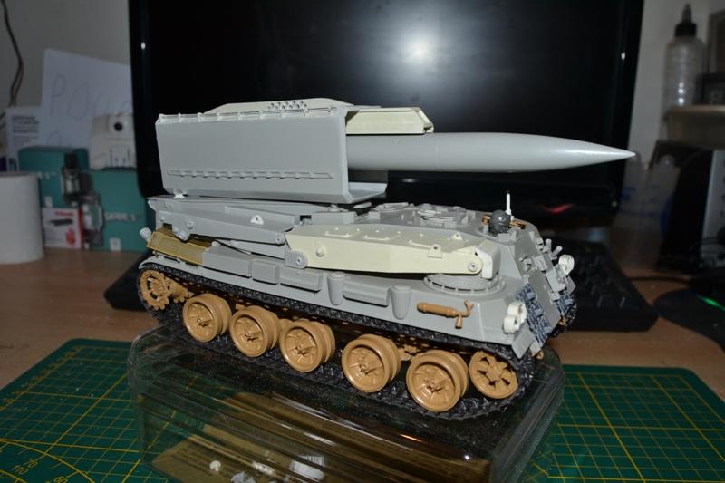 AMX-30 PLUTON -[Heller 81129] + [Terre-Model TM014] 1/35 - Page 2 Dsc_0357