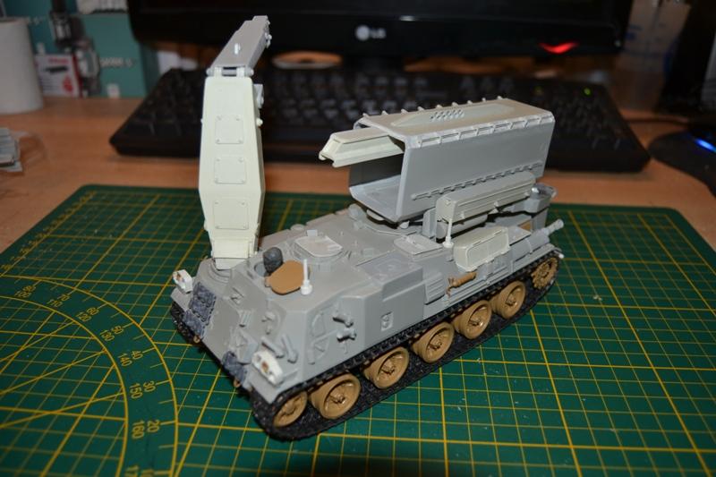 AMX-30 PLUTON -[Heller 81129] + [Terre-Model TM014] 1/35 - Page 2 Dsc_0364