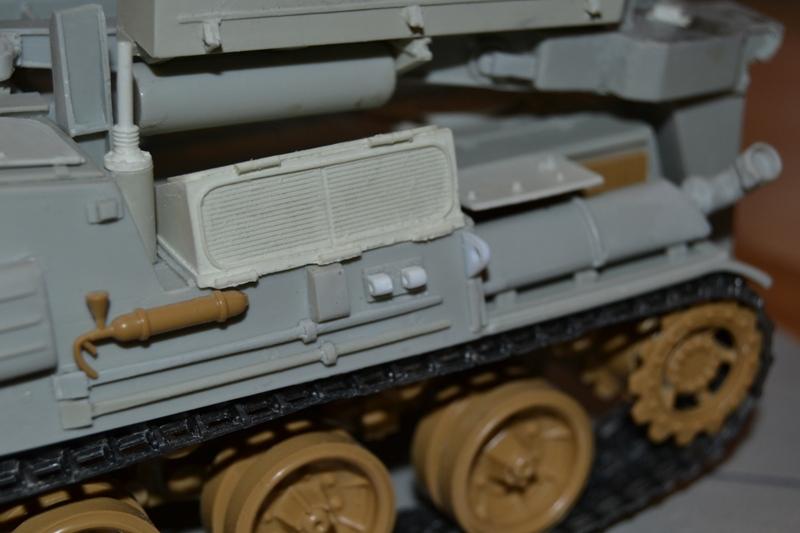 AMX-30 PLUTON -[Heller 81129] + [Terre-Model TM014] 1/35 - Page 2 Dsc_0382