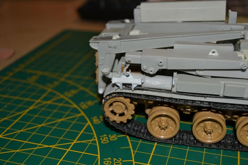 AMX-30 PLUTON -[Heller 81129] + [Terre-Model TM014] 1/35 - Page 2 Dsc_0385