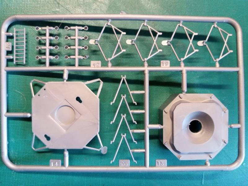 LEM Module Lunaire 1/100 Réf CADET 019 Img_2085