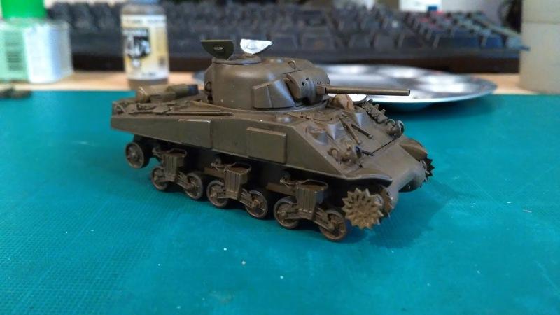 "La 2ème DB ""Jeep - GMC CCKW353 - Sherman M4a2""  [Heller 1/72] - Page 3 Img_2355"