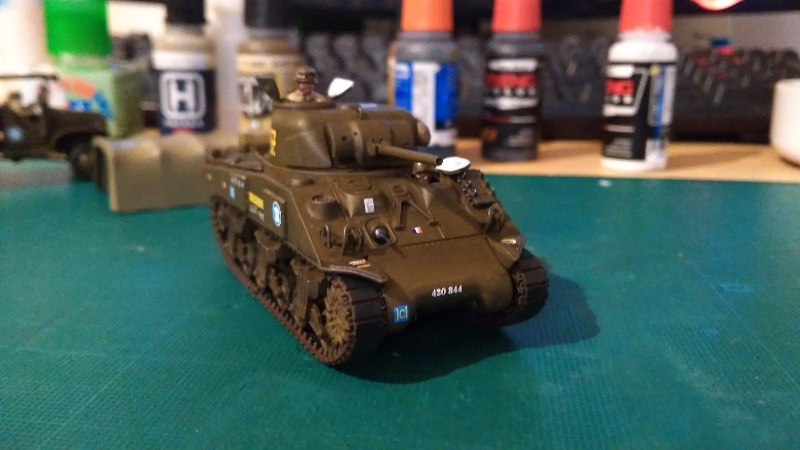 "La 2ème DB ""Jeep - GMC CCKW353 - Sherman M4a2""  [Heller 1/72] - Page 3 Img_2363"