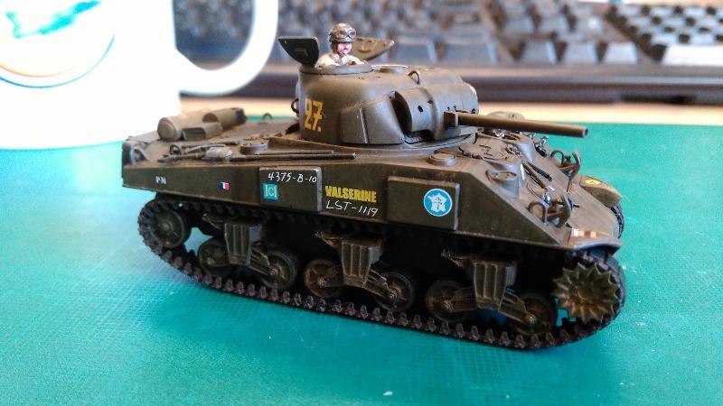 "La 2ème DB ""Jeep - GMC CCKW353 - Sherman M4a2""  [Heller 1/72] - Page 3 Img_2368"