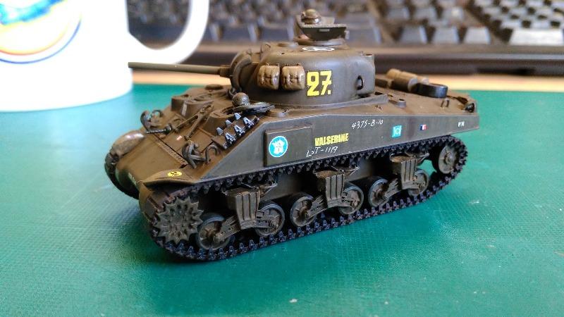 "La 2ème DB ""Jeep - GMC CCKW353 - Sherman M4a2""  [Heller 1/72] - Page 3 Img_2370"