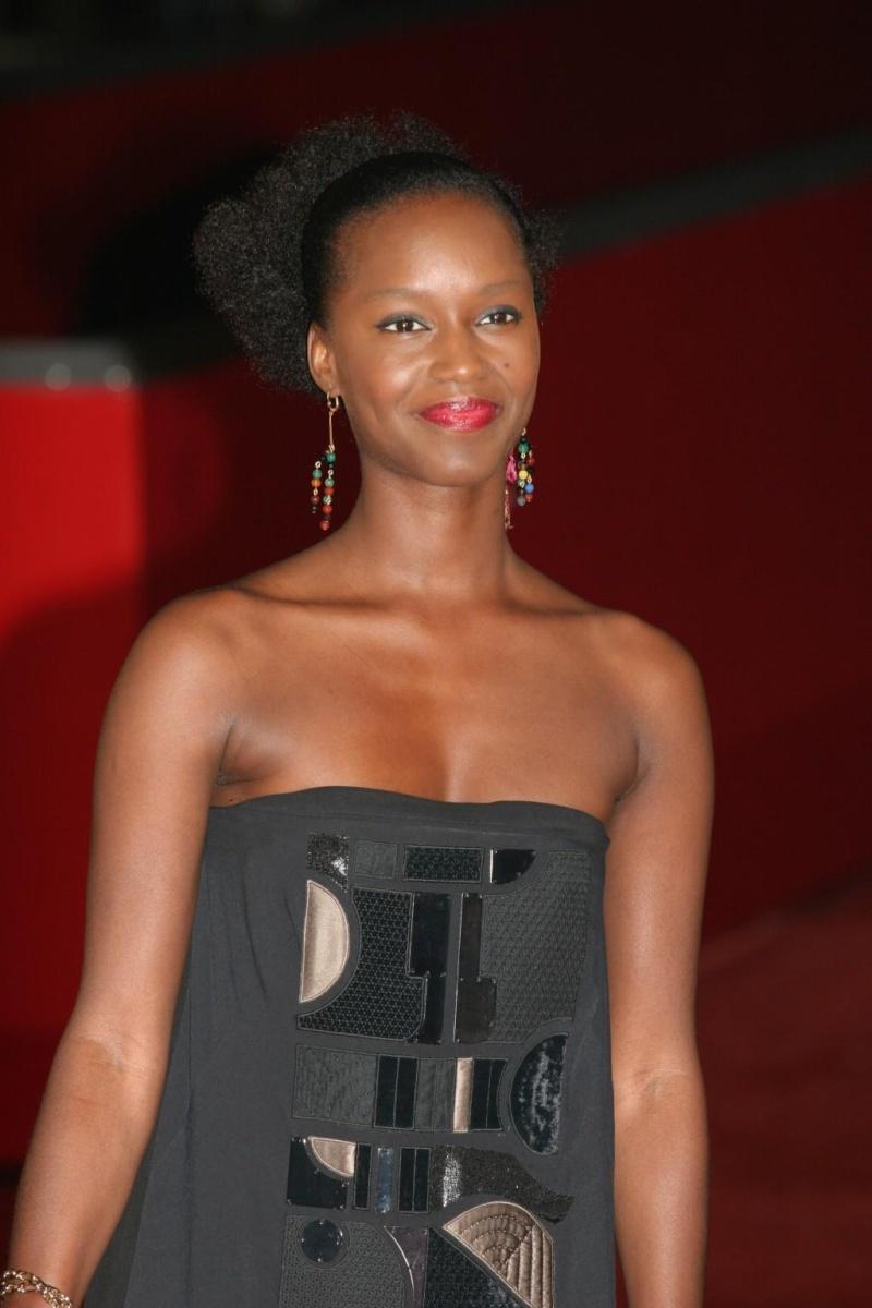 A QUAND LES SONDAGES DE LA FEMME AFRICAINE ? 13594610