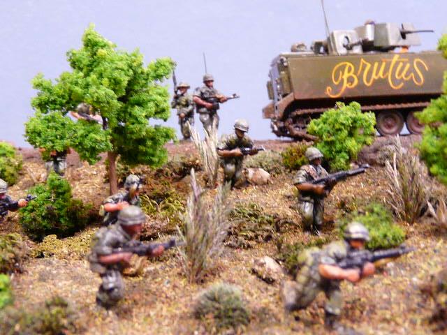 Suggestion pour un diorama 1/72 de la guerre du Vietnam P1000112