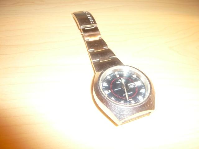 """Montres réveils """"Bracelets"""" liste non exhaustive P1060110"""