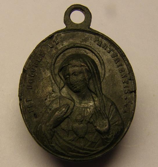 Medalla Sagrado Corazón - UT PARTURIENTIS. Med11_10