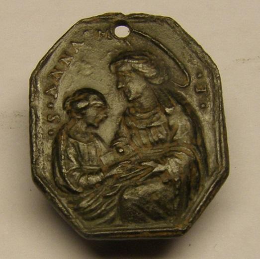 Medalla de Santa Anna y la Virgen y San José y el Niño Jesús. Siglo XVII Meedd_12