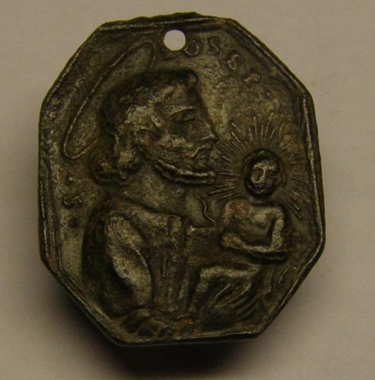 Medalla de Santa Anna y la Virgen y San José y el Niño Jesús. Siglo XVII Meedd_13