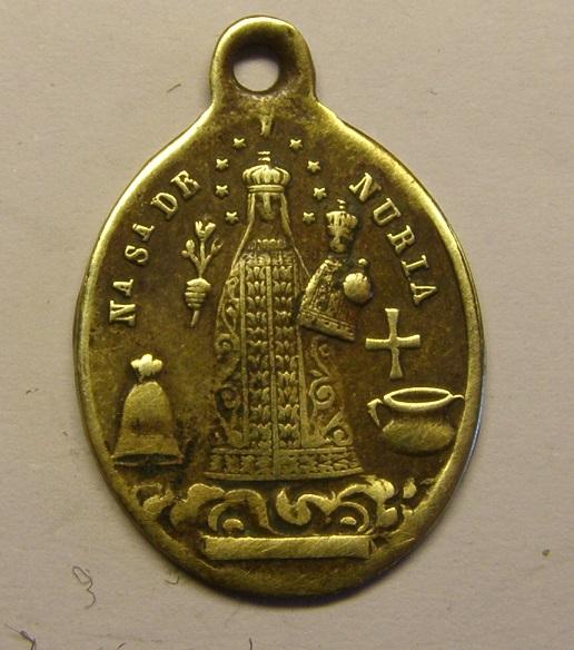 Bonita medalla de Nª Sª de Núria y San Gil Abad. Siglo XIX. (AM) Tc_12_12