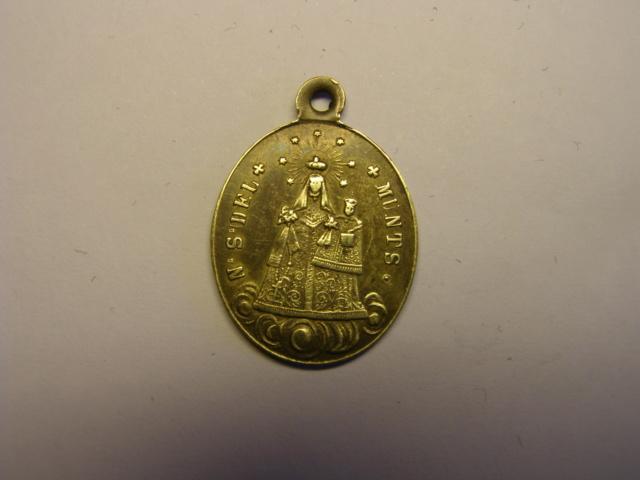 Medalla de la Mare de Deu del Munts. Finales siglo XIX o principios del XX. (AM) Tc_12_18