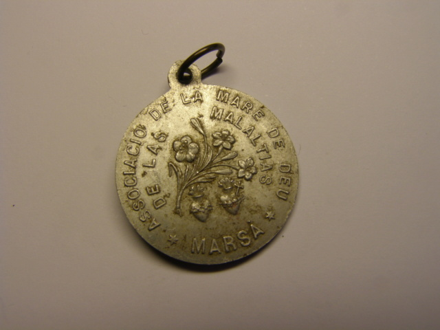 Medalla de la Mare de Deu de las Malaltias, Marsà, primera mitad siglo XX. (MAM) Tc_14_10
