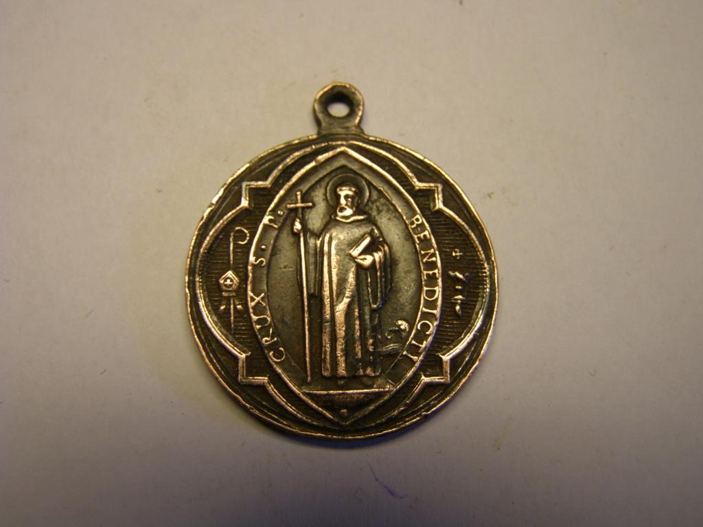 Medalla cruz de San Benito, finales siglo XIX. Tc_17_27