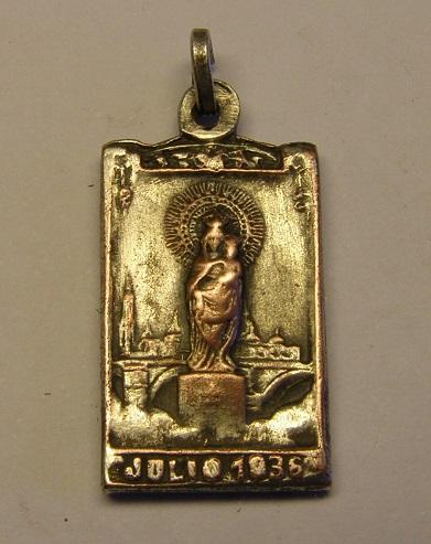Algunas medallas de Nª Sª del Pilar, época Guerra Civil Española. Tc_25_21