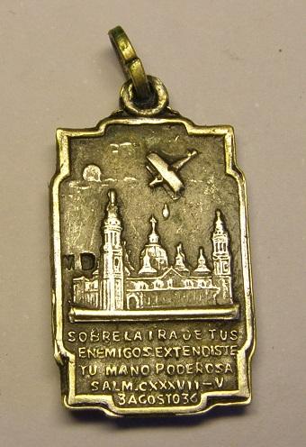 Algunas medallas de Nª Sª del Pilar, época Guerra Civil Española. Tc_25_26