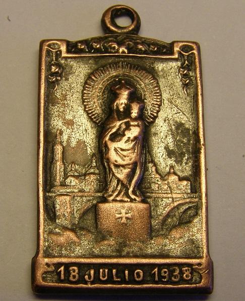 Algunas medallas de Nª Sª del Pilar, época Guerra Civil Española. Tc_25_27