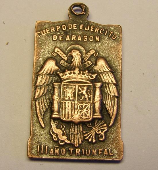 Algunas medallas de Nª Sª del Pilar, época Guerra Civil Española. Tc_25_28