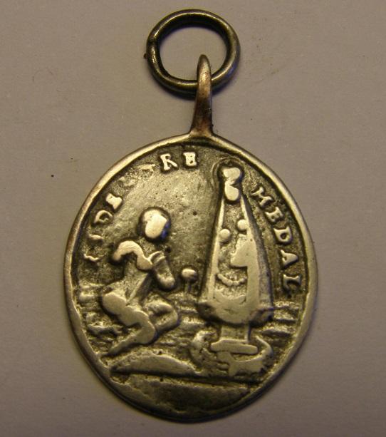 Medalla Virgen del Pilar y Nª Sª del Tremedal  (R.M.SXVIII-O438) (AM)  Tc_25_32