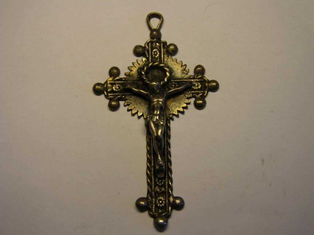 ¿Alguien me puede decir algo de este crucifijo? Tc_30_10