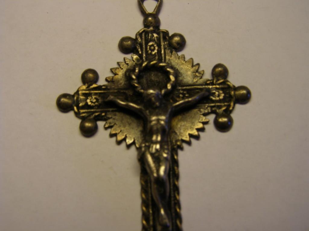 ¿Alguien me puede decir algo de este crucifijo? Tc_30_11