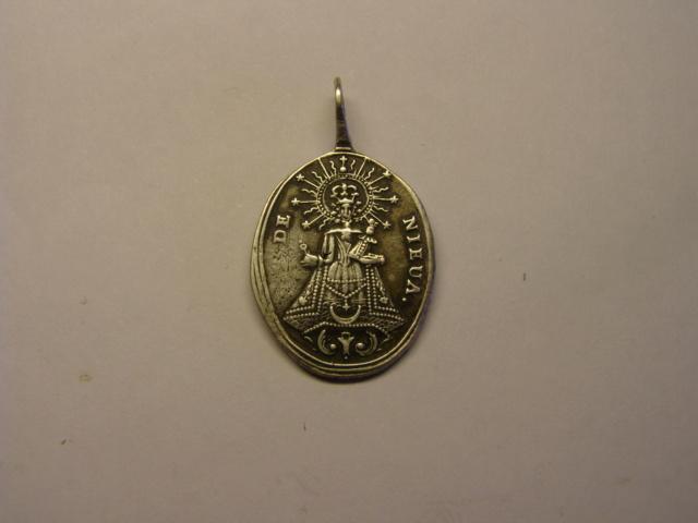 Medalla de Nª Sª de Nieva, siglo XVIII  (R.M.SXVIII-O428) (AM) Tc_5_715