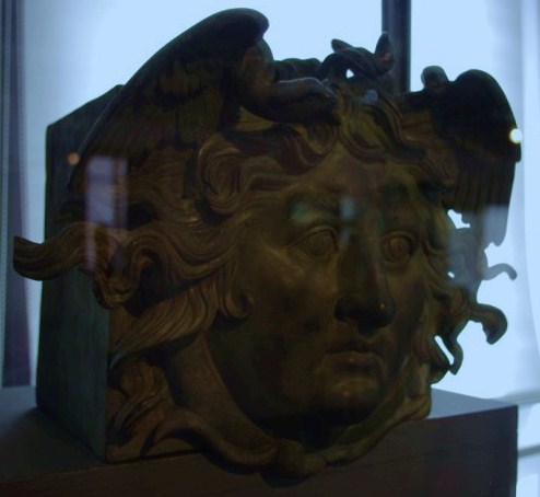 J'ai croisé le regard de PLAUTIA en Arles ! Imgp1014