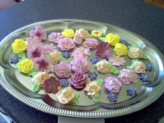 Fleurs en glace royale pour décoration (photo) Fleur310