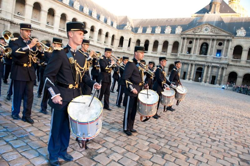 Festival International de musique militaire à Paris, le  19 - Page 2 22-09t10