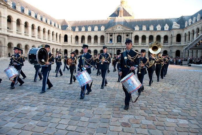 Festival International de musique militaire à Paris, le  19 - Page 2 24-09t10