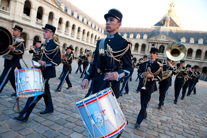 Festival International de musique militaire à Paris, le  19 - Page 2 26-09t10