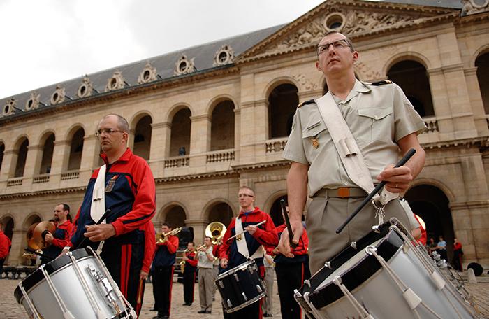 Festival International de musique militaire à Paris, le  19 - Page 2 33repe10