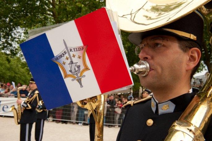 Festival International de musique militaire à Paris, le  19 - Page 2 64mang10