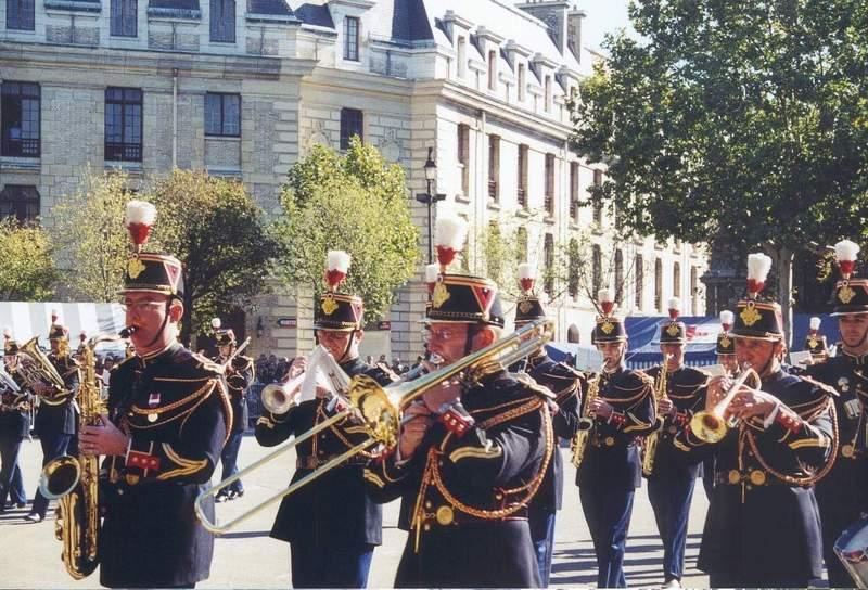 Jounée porte ouverte de la GARDE REPUBLICAINE 2003 Batter19