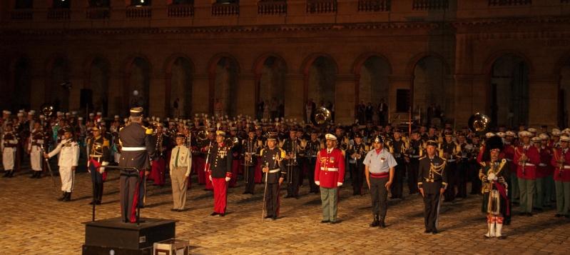 Festival International de musique militaire à Paris, le  19 - Page 2 Musiqu11