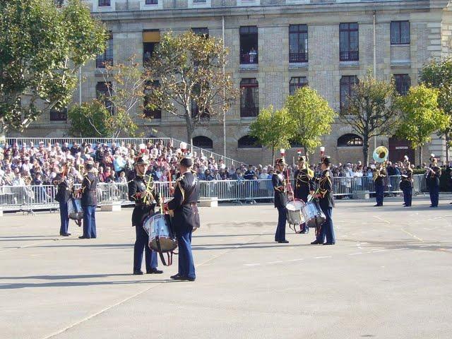 Re: Portes ouvertes à la garde républicaine (2007) P1140311