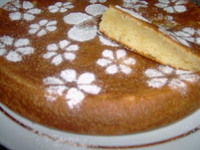 bolo de claras,iogurte e doce de chila Bolo_i11