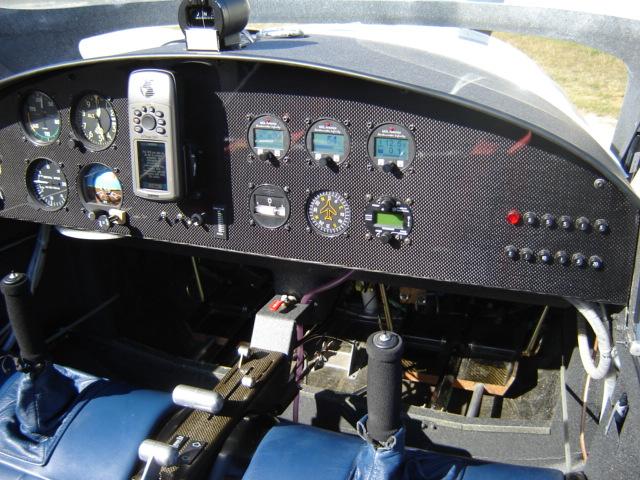 Bac de coffre et tableau de bord pour les VLA à cloison arrière verticale Dsc02410