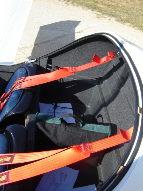 Bac de coffre et tableau de bord pour les VLA à cloison arrière verticale Dsc02411