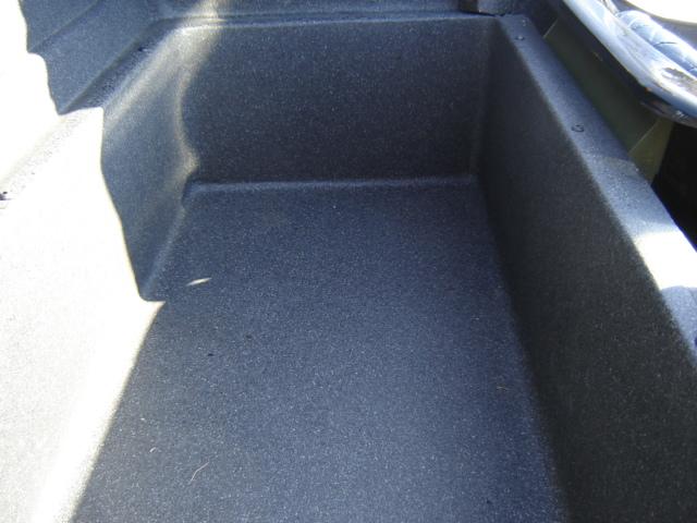 Bac de coffre et tableau de bord pour les VLA à cloison arrière verticale Dsc02412