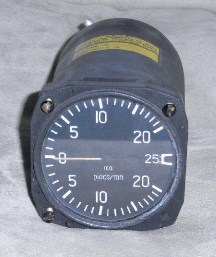 A vendre: Instrumentation et planche de bord Vente310