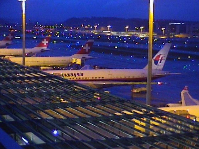 Zurich LSZH - Page 2 Airpor11
