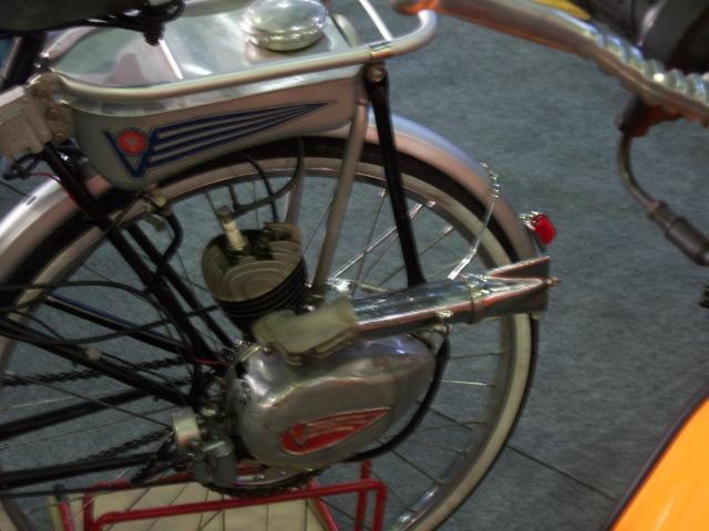 Mercadillo de motos antiguas en Goián (Pontevedra) 100_4540