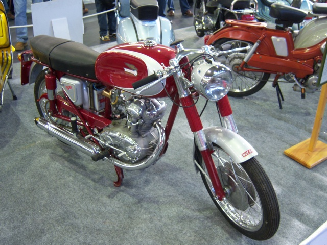Mercadillo de motos antiguas en Goián (Pontevedra) 100_4547