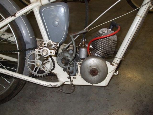 Conjunto cilindro piston y culata?? 800px-11