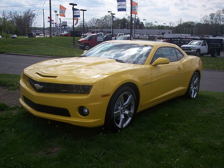 someone in my town already got a new camaro 100_5918