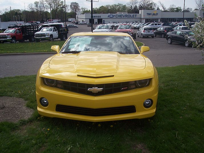 someone in my town already got a new camaro 100_5919